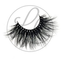 Jordyn Lashes Front View