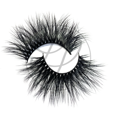 Jordyn Lashes Criss Cross