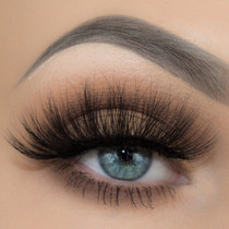 Yolene lashes on MakeupbyTaren