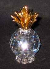 CRYSTAL PINEAPPLE W/GOLD TOP - MED