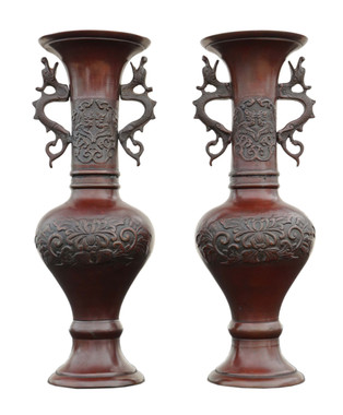 Antique large quality pair of Japanese bronze vases Meiji period