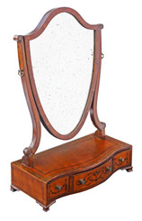 Antique quality Georgian C1820 satinwood dressing table swing mirror