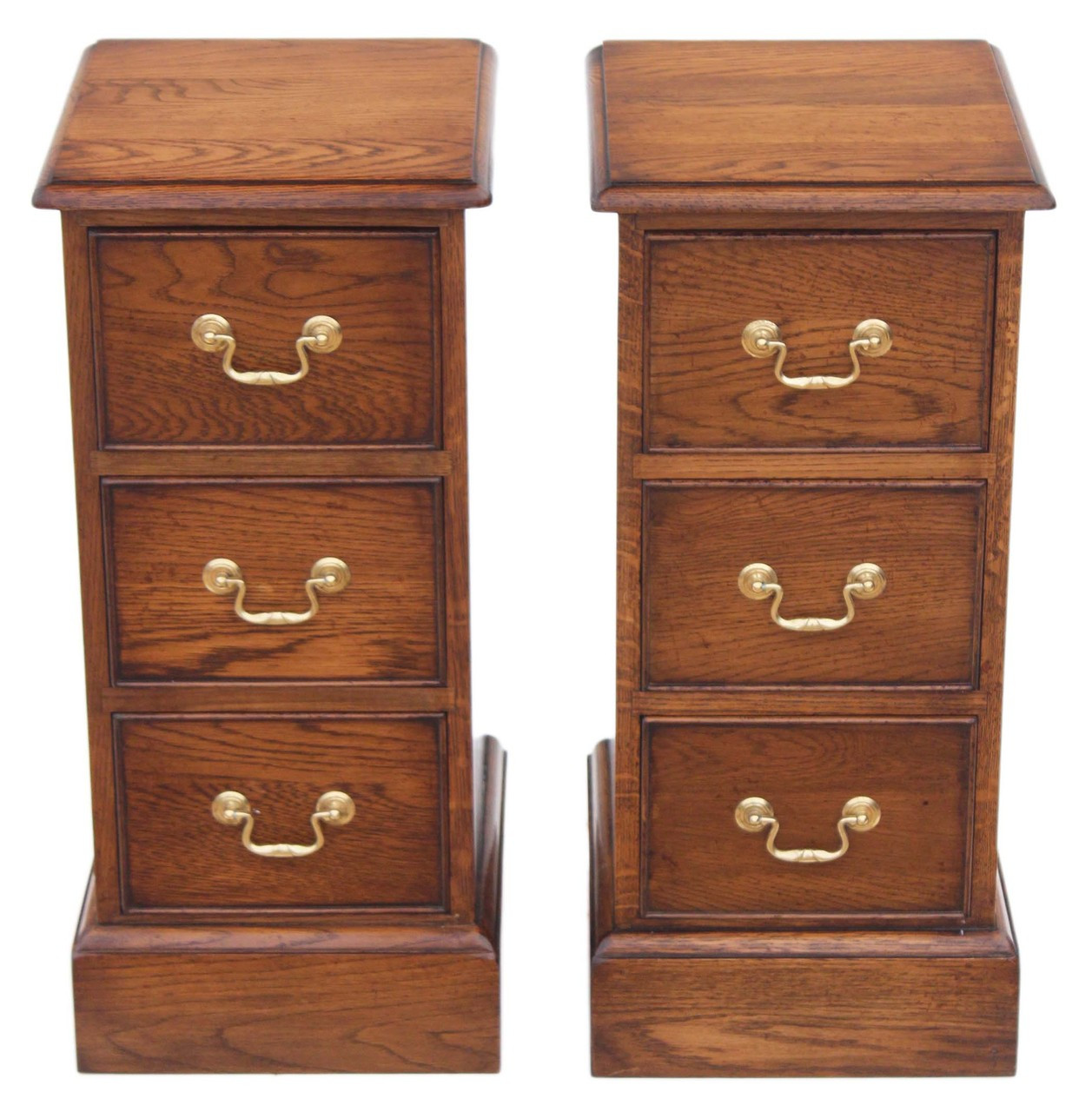 Picture of: Antique Quality Pair Of Victorian Oak Bedside Tables Cupboards Reproduction Prior Willis Antiques