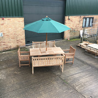 ARROW 120CM -180CM TABLE WITH 2 GRISDALE ARM CHAIRS, 2 BUTTERMERE 150CM BENCHES + 2.5M PARASOL