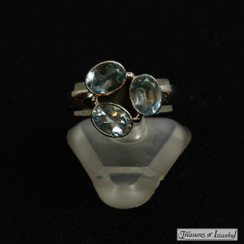 Blue topaz ring - 048
