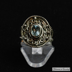 Blue topaz ring - 049