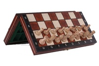 Wooden Magnetic Travel Chess Set with Woodgrain Chess Board and Storage Compartment
