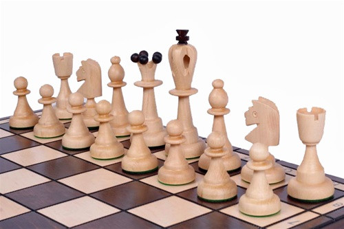 The Zorya - Unique Wood Chess Set with Chess Board & Storage, King 4 inches  Light Chess Pieces