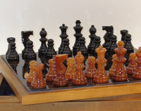 Black & Brown Alabaster Chess Set with Wooden Chest