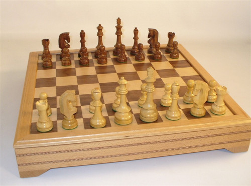 Traditional Russian Chess Set - Chess Pieces and Matching Chess Board