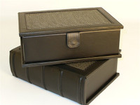 "Black Vinyl Bookstyle Box, for up to 4"" King"