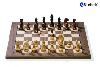 DGT Electronic chess board in walnut