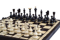 The Bevana on its Board. ChessCentral's  Unique Wood Chess Set, with Board & Storage