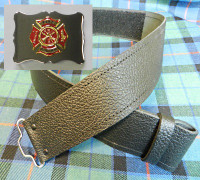 Red & Gold Maltese Buckle with Grained Kilt Belt