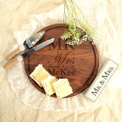 engraved-wedding-walnut-cutting-board-gift-2