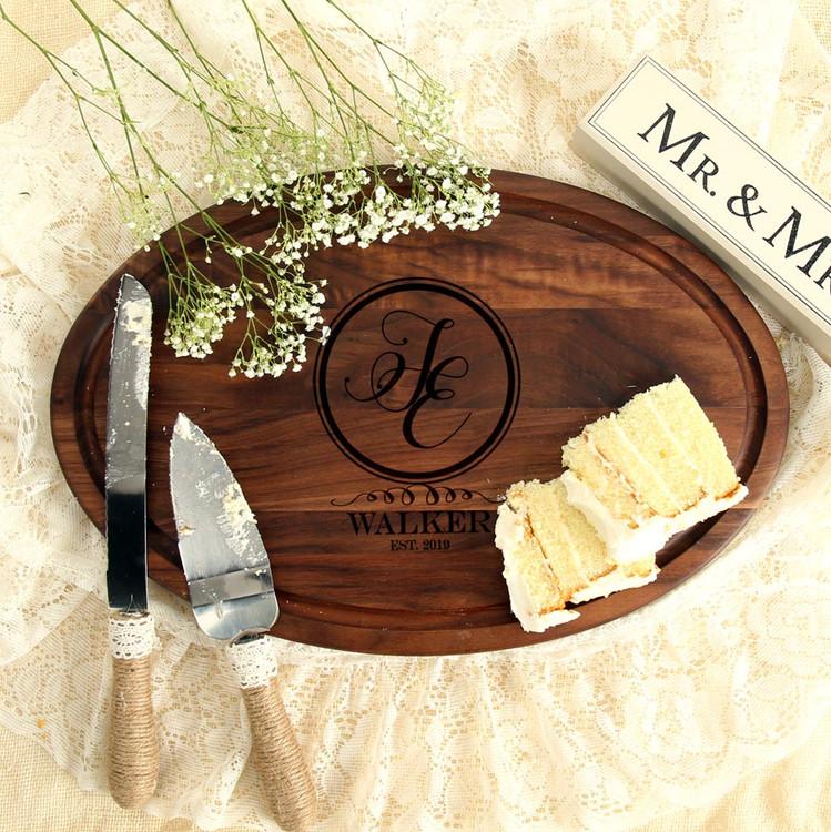 oval-walnut-cutting-board-personalized-wedding-gift