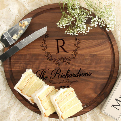 personalized-wedding-gift-fancy-cutting-board-walnut