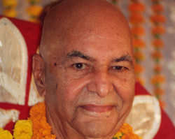 Following his talk on the Self, Papaji is asked about overcoming karma. He says that in knowing oneself karma ceases to function, and then describes the impediments to such realization and the means whereby realization is achieved. Papaji also addresses a question about Vipassana meditation and, by association, meditation in general. Later in this satsang, he uses a wonderful story about a Sufi saint as a means of teaching about the nature of Reality.