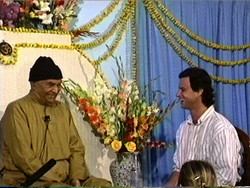 """The Beauty of No Mind  31 January 1993 --INTERVIEW-- An interview by Jeff Greenwald captions in English  1 hour & 40 minutes - digitally remastered  Jeff Greenwald's spontaneous outpouring of gratitude at the end of this interview eloquently captures the feeling of people who were blessed to sit in Papaji's presence: """"All of my life I wondered what it would have been like to sit at the feet of the Buddha. Now I know.""""  Some of the questions to which Papaji responds in this interview by Jeff Greenwald: . Who are you? . How does an awakened being see the world? . What is freedom? Who is it that realizes freedom?  . What is mind? Can mind assist in the process of realizing freedom? . Is faith in God a prerequisite to freedom?"""