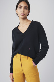 Victoria Beckham Cashmere V-Neck Sweater in Navy/Pink