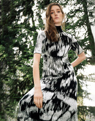 *PRE-ORDER* Lafayette 148 New York Kindcashmere Silk Jacquard Sweater Dress in Black