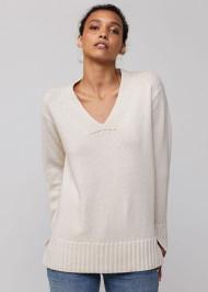 *PRE-ORDER* Lafayette 148 New York Smoothspun Italian Cashmere-Silk V-Neck Sweater in Cloud