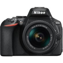 Nikon D5600 with 18-55mm VR Lens Kit