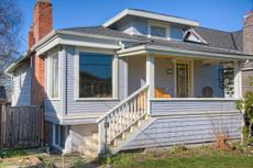 Exterior Paint Color Design: New England Cottage