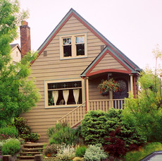 Exterior Paint Color Design: 1.5 Story Farmhouse