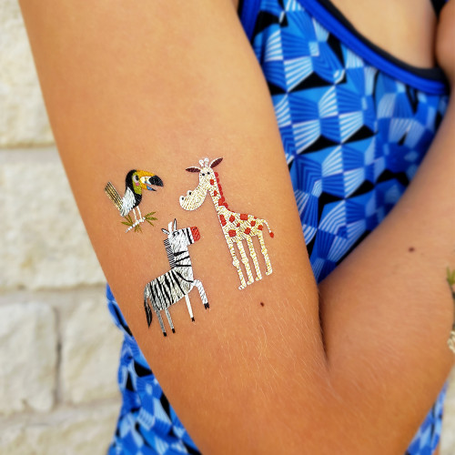 The 'Safari Savannah Pals' metallic fun tats set is festive safari inspired sparkle!    @FlashTattoos #FUNTATS
