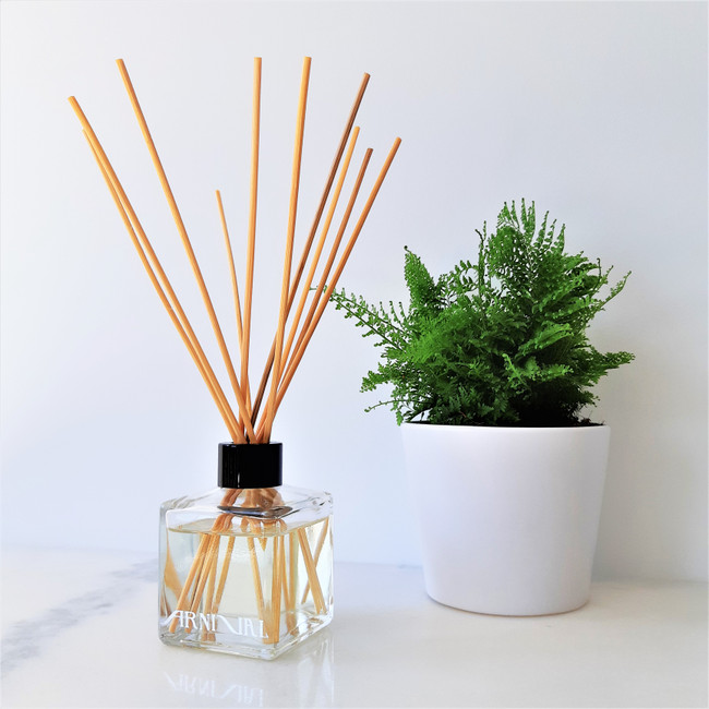 117 Scents and 4 diiferent types of reeds to choose from