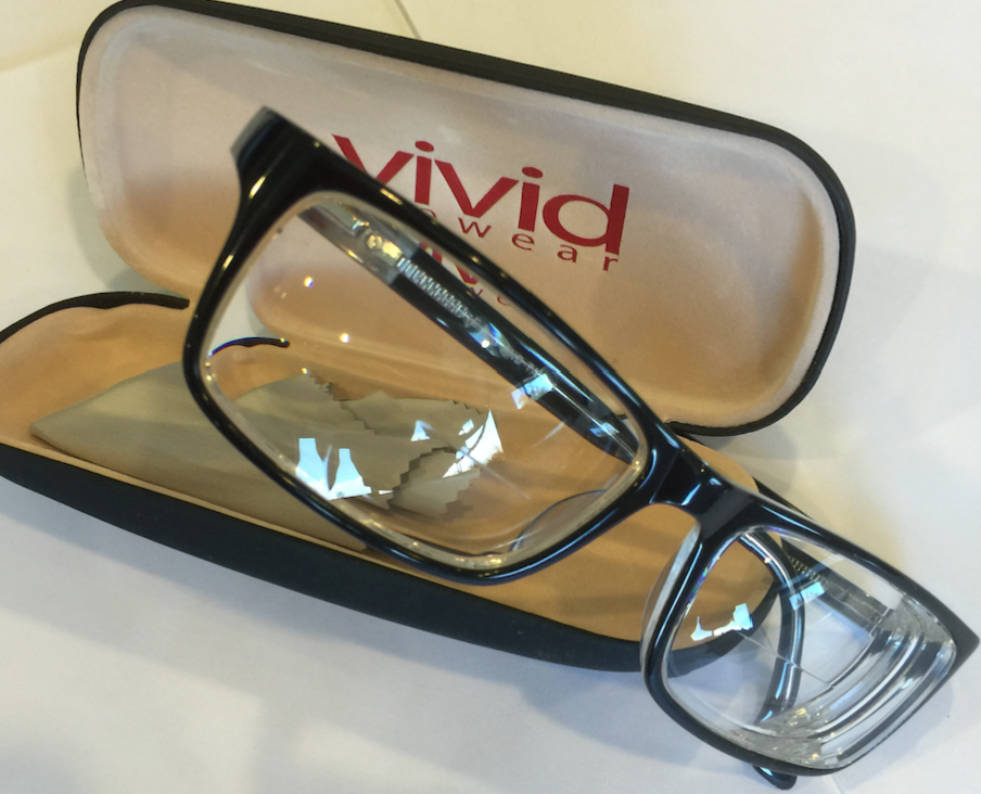Vivid Eyeglasses with high index & progressive lenses