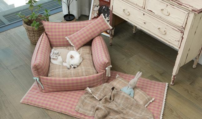 baguette-pillow-main.jpg