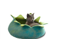 Aqua Petals Pet Basket