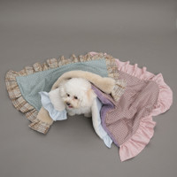Louisdog Frills Blanket