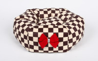 Susan Lanci Windsor Check Bed with Red Nouveau Bow
