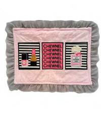 Chewnel Border Pink Perfume Dog Mat