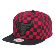 CHECKERED CROWN SNAPBACK CHICAGO BULLS