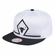 CONCORDS VIP COLLECTION INTERPRET SNAPBACK CHICAGO BULLS