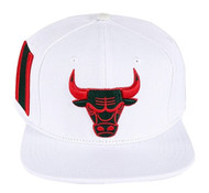 CHICAGO BULLS BULL LOGO STRAPBACK(WHITE/GUCCI COLORS)