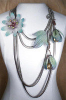 SARAH CAVENDER FLORAL NECKLACE~22166