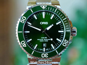 Oris Aquis Automatic Date Green Sunburst Dial 43.5mm