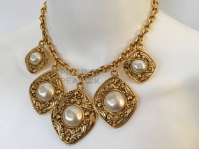 CHANEL CARVED MULTI MEDALLION & BAROQUE PEARL NECKLACE