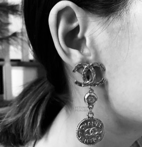 CHANEL CC LOGO WITH COIN & STRASS EARRINGS