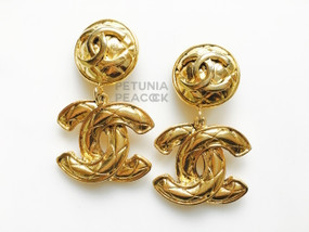 CHANEL CC LOGO MATELASSE EARRINGS