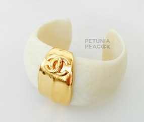 CHANEL IVORY RESIN CC LOGO CUFF