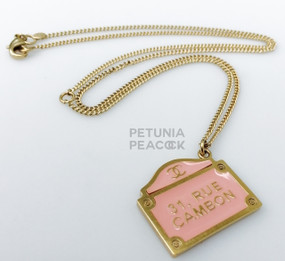 CHANEL BUBBLE GUM PINK 31 RUE CAMBON NECKLACE