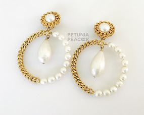 CHANEL RARE BAROQUE PEARL & CHAIN LINK HOOP EARRINGS