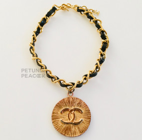 CHANEL VINTAGE CC LOGO MEDALLION CHOKER NECKLACE