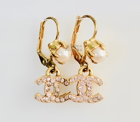 CHANEL BABY PINK CC LOGO & PEARL EARRINGS